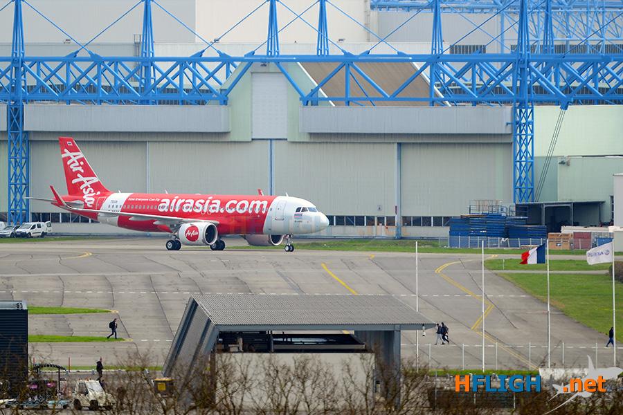 8. เครื่องบิน เอ320นีโอลำใหม่ ขณะออกไปทำการทดสอบภาคพื้นที่โรงงานแอร์บัส copy.jpg