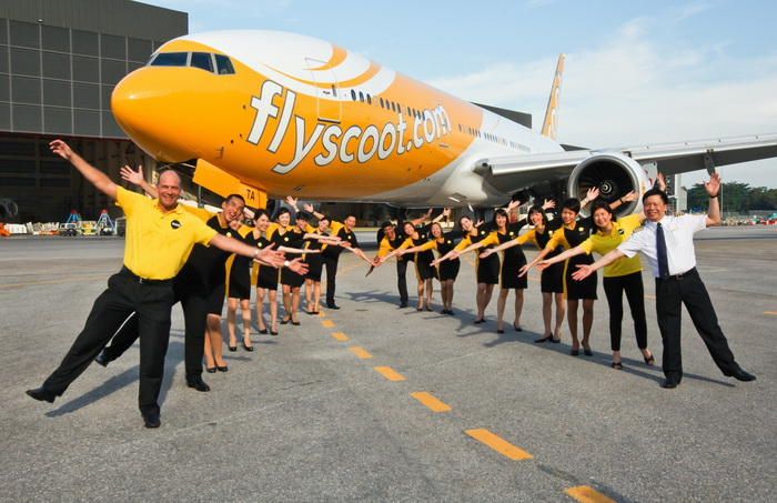 scoot_ceo_with_aircraft.jpg