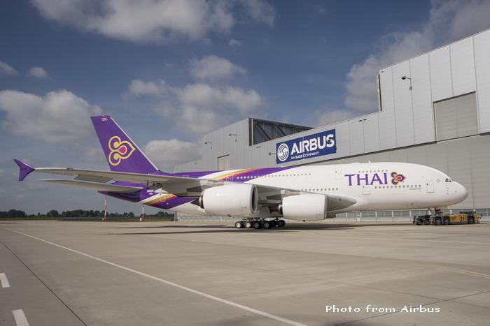A380_Thai_roll_out_3.jpg