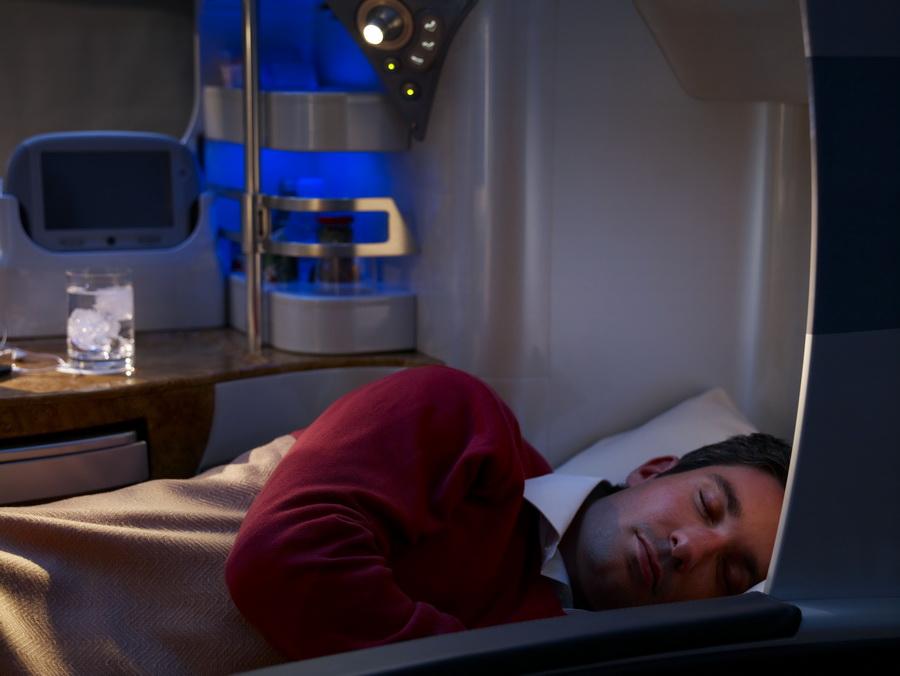EK_Business Class Flat bed.jpg